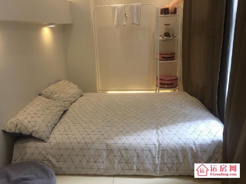 龙岗小产权房【丹平公寓】精装复式风格+时尚家私搭配房